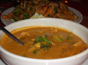 Red_chicken_curry_and_salmon
