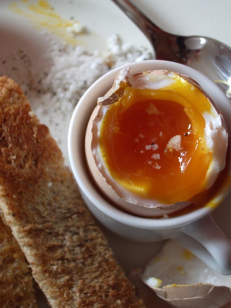 Soft_boiled_egg_4_1